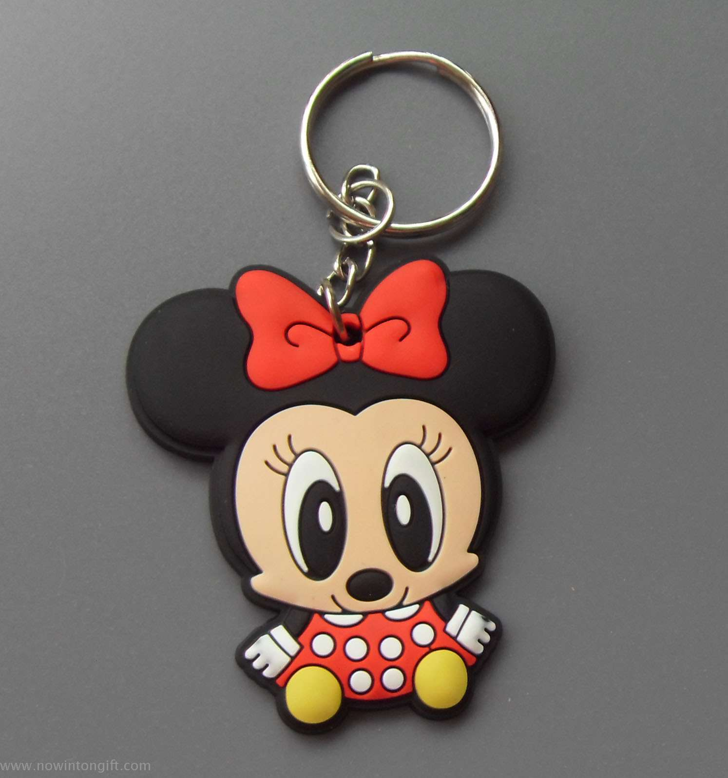 Minnie/Mickey pvc keychains